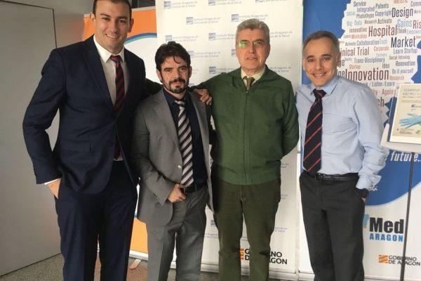Foto con Dr Marquina, Pajares y Laredo en curso cirugía Mano y Microcirugia Zaragoza